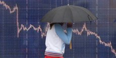 Pékin accuse trois sociétés d'avoir fait plonger la bourse de Shanghaï. Celle-ci a perdu 30% depuis juin.