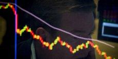 Les marchés européens accentuent leur déroute en attendant Wall Street.