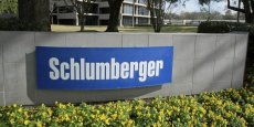 Schlumberger joue la concentration industrielle pour affronter la baisse des cours du pétrole.