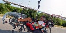 Bernard Cauquil sur son vélo solaire
