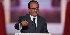 Il serait inconséquent et irréaliste d'envoyer les troupes françaises au sol en Syrie, a estimé Hollande, tout en annonçant des vols de reconnaissance.