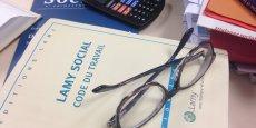 A la suite du rapport Combrexelle, un projet deloi va redéfinir la façon dont sont élaborées les normes du droit du travail en laissant plus de place aux accords debranche et d'entreprise