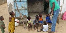 Les pays d'Afrique subsaharienne continuent d'avoir le plus fort taux de mortalité infantile dans le monde: un enfant sur 12 y meurt avant son cinquième anniversaire, douze fois plus que dans les pays riches (1 sur 147 en moyenne).