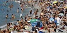 Selon l'Ined, les Européens seront 728 millions en 2050. Mi-2015, l'Europe comptait 742 millions d'habitants, dont 509,6 millions au sein de l'Union européenne.