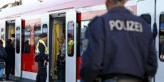 L'Allemagne a interrompu la circulation des trains venant d'Autriche, dimanche aux alentours de 17h00 locales, selon un porte-parole de la compagnie des chemins de fer autrichiens, ÖBB.