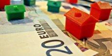Les taux d'intérêt bas favorisent la hausse des prix de l'immobilier en France.