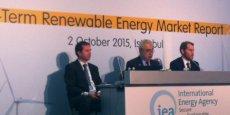 Dans de nombreux pays, tels que Afrique du sud, le Brésil et l'Inde, mais aussi au Moyen Orient ou dans certains Etats des Etats-Unis, les énergies renouvelables deviennent compétitives par rapport à d'autres types d'énergies.