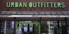 La marque américaine Urban Outfitters est présente en France aux Galeries Lafayette à Paris et sur internet.