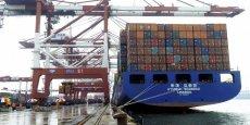 La Chine a également été affectée par l'affaiblissement de la demande sur certains marchés pour ses biens manufacturés, à l'origine de la baisse de ses exportations, qui ont reculé de 1,1% à 180 milliards d'euros.