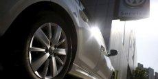 Volkswagen a annoncé mardi 13 octobre qu'il entendait réduire d'un milliard de dollars par an un plan d'investissement dans sa principale division.