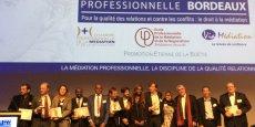 Les lauréats accompagnés par les parrains des Espoirs ainsi que la médiateur interne de l'Urssaf Ile-de-France, récipiendaire d'un Espoir en 2014 et venue présenter un bilan de son action