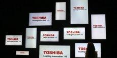 L'action Toshiba a perdu 56% de sa valeur depuis avril, et les dégradations successives par les agences de notation plombent le titre.