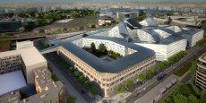 Pas encore inauguré, le Pentagone français traîne déjà de nombreuses casseroles derrière lui.