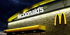 Pour McDonald's, qui a du mal à plaire à une clientèle jeune et connectée qui lui préfère des burgers plus haut de gamme, la livraison à domicile représente un relais de croissance.