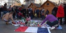 Des dizaines de personnes se sont retrouvées place Félix Poulat, comme au lendemain des attentats du 7 janvier.