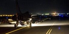 Le raid, effectué à 00H30 GMT (01H30 heure française), était constitué de dix avions de chasse - Rafale et Mirage 2000 - qui ont été engagés à partir des Emirats arabes unis et de la Jordanie.