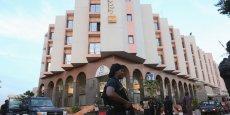 Un deuil national de trois jours a également été décrété à partir de lundi. Des Russes, trois Chinois, un Américain, et un haut fonctionnaire belge en mission à Bamako figurent parmi les victimes, ont annoncé leurs pays respectifs.