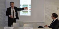 Eric Campos, directeur adjoint du Crédit Agricole Sud Rhône-Alpes (à gauche) a dévoilé le fonctionnement de cette nouvelle application.