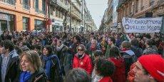 Près d'un millier de personnes ont manifesté à Toulouse malgré l'interdiction.