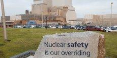 L'électricien français prévoit de construire deux réacteurs de type EPR sur le site de Hinkley Point C, dans le sud-ouest de l'Angleterre. L'entreprise chinoise China General Nuclear Power Corporation (CGN) prendra en charge un tiers du financement de ce projet gigantesque de 18 milliards de livres (24,5 milliards d'euros), soit 6 milliards de livres (8,2 milliards d'euros). (Photo: vue du site nucléaire de Hinckley Point B à Bridgwater, dans le sud-ouest de l'Angleterre)