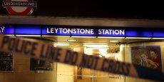 Trois personnes ont été blessées à coups de couteau samedi soir, dans une station de métro de l'est de Londres, par un homme qui aurait crié : C'est pour la Syrie !,