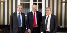 Alain Mérieux, entouré de son successeur Bernard Bigot (à g.) et du président de l'Université de Lyon Khaled Bouabdallah (à dr.)