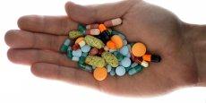 La mebendazole, qui existe depuis plusieurs décennies, figure dans la liste des médicaments essentiels fixée par l'Organisation mondiale de santé (OMS).