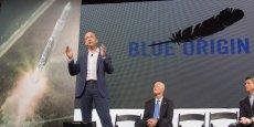 Jeff Bezos n'a pas apprécié les accusations de Trump sur ses impôts: dans un tweet, il a annoncé qu'il réservait un siège à Donald Trump dans sa fusée Blue Origin. En français, on dirait tout simplement qu'il lui réserve un chien de sa chienne.