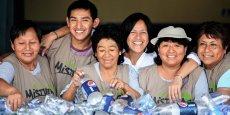 Depuis 1996, Albina Ruiz (au centre) a organisé la collecte de déchets de Lima pour qu'elle soit financièrement plus rentable, et ainsi mieux payer les ramasseurs.