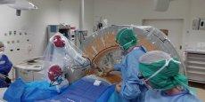Le CHU d'Amiens vient de réussir une opération inédite de chirurgie d'hernie discale avec ROSA Spine, le robot de Medtech