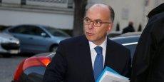Le ministre de l'Intérieur Bernard Cazeneuve a annoncé que deux Français avaient été interpellés et placés en garde à vue après la découverte d'un projet d'attentat à Orléans.