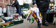 Les Français consomment en moyenne 90 sacs plastiques non réutilisables par an et par personne.