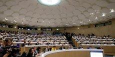 L'hémcicycle du Conseil régional d'Aquitaine sera complété par un ensemble de chaises pour accueillir les conseillers des trois Ceser