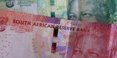 En 2015, le rand a perdu un quart de sa valeur par rapport au dollar, notamment tiré vers le bas par la chute du cours des matières premières.