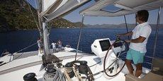 Poste de pilotage d'un catamaran de Fountaine Pajot.