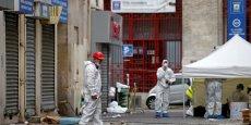 Le parquet n'a pas précisé si le kamikaze de Saint-Denis était le troisième assaillant des cafés parisiens, comme l'ont avancé plusieurs médias.