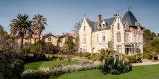 À Puissalicon dans l'Hérault, le château-hôtel de Saint-Pierre de Serjac.