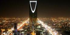 Les contrats seront bien appliqués mais le destinataire sera l'armée saoudienne, a déclaré Adel al Jubeir à des journalistes lors d'une visite à Paris.
