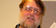 Ray Tominson a reçu son premier prix en 2000: le prix George Stibitz, attribué à des chercheurs ayant permis de réaliser des avancées majeures dans le domaine de l'informatique et des communications.