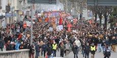 Selon la préfecture, 7 000 personnes étaient rassemblées pour manifester leur opposition au projet de loi.