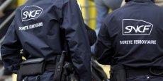 Les agents pourront retenir une personne qui refuserait de se prêter à un relevé d'identité dans l'attente des policiers ou des gendarmes.
