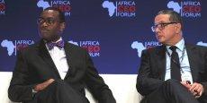 Le Nigérian Akinwumi Adesina, président de la Banque africaine de développement (BAD), et Mohammed Boussaïd, ministre marocain de l'Économie, lors du VIe Africa CEO Forum d'Abidjan (21-22 mars 2016).