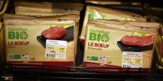 Les grandes et moyennes surfaces ont suivi le mouvement et totalisaient 51% du volume des ventes de viande bio en 2014.