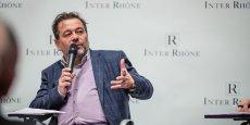 Michel Chapoutier, président de l'interprofession des vins de la vallée du Rhône, estime que le label AOP justifie un certain niveau de prix.