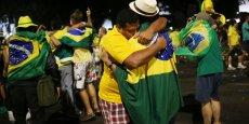 Lisible sur le drapeau : Ordem e Progresso (Ordre et progrès), la devise optimiste du Brésil.