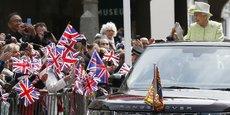 En 2014-2015, la Couronne a perçu 37,9 millions de livres (48,1 millions d'euros). Un montant qui devrait être encore plus élevé pour l'exercice 2015-2016, à hauteur de 40,1 millions de livres. (Photo : la reine Elizabeth II lors de la célébration de son 90ème anniversaire à Windsor, le 21 avril 2016)