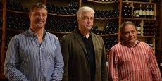 De gauche à droite : Jean-Christophe Brunet, responsable tourisme chargé de l'organisation du rallye, Michel Girotti, président de la Maison des vins de Cadillac, et Jean Médeville, président de l'appellation Cadillac Côtes de Bordeaux, présentaient le millésime 2015 de la Maison des vins de Cadillac.