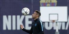 La nouvelle marge de manoeuvre financière offerte par Nike pourrait permettre au FC Barcelone de boucler rapidement les prolongations de contrat de plusieurs de ses joueurs clés, en particulier l'attaquant-vedette brésilien Neymar, égérie de Nike.