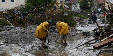Les sinistrés des inondations pourraient percevoir très rapidement une première somme forfaitaire de 2.000 euros de la part des assureurs