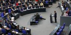 A peine quelques heures après l'approbation du plan de relance européen par le Parlement, la Cour constitutionnelle allemande suspend sa ratification.